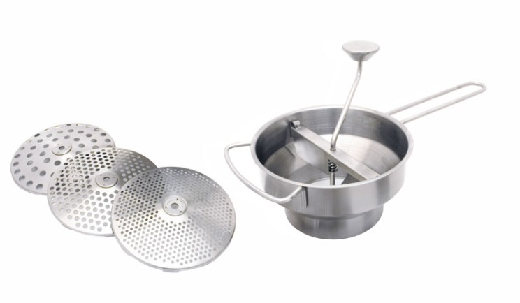The tools and utensils of the spanish kitchen for Kitchen utensils in spanish
